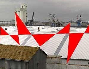 F. Varini, Suite de triangles, Port de Saint-Nazaire, 2007
