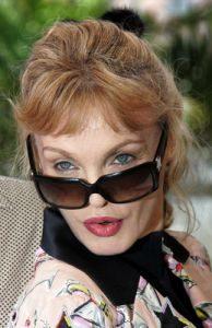 Arielle Dombasle dans le rôle de Bérénice Beaurivage