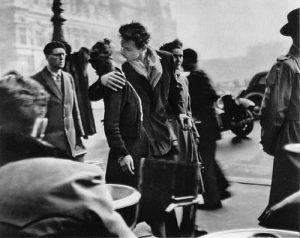 R. Doisneau, Le baiser de l'Hôtel de ville (1950)